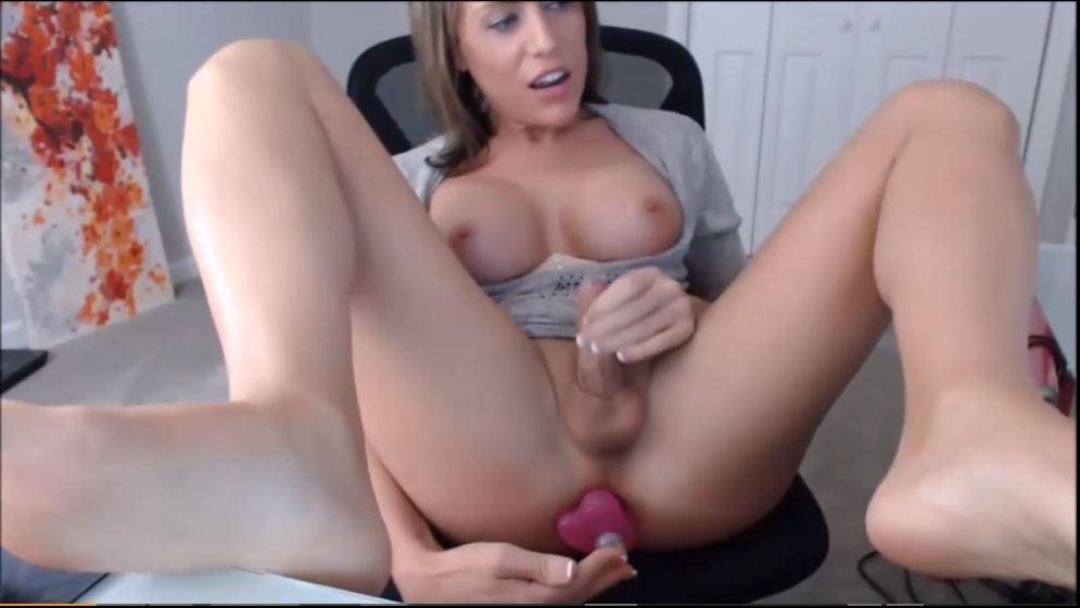 Trans madura te regala acceso a su webcam de sexo